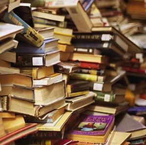 libri_accatastati_quadratizzata_2